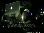 DJ汪帅2009年在COCO酒吧打碟的照片