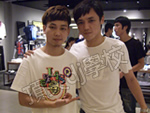 DJ刘阳与评委DJ小白合影
