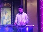 学员DJ大军玩石音乐节打碟现场