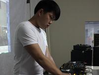 学校内部混音交流赛——DJ学员金磊