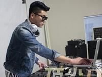 学校内部混音交流赛——DJ学员张强