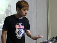 学校内部混音交流赛——DJ学员朱桂林