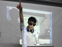 学校内部混音交流赛——DJ学员黄勇