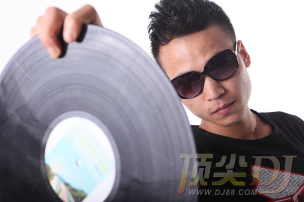 顶尖DJ学员戴德群
