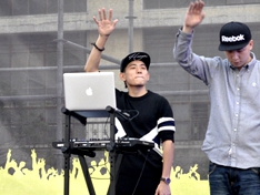 2014玩石音乐节开场节目DJ AK 打碟现场
