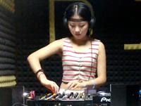 顶尖DJ学员桑晨机房接歌练习视频