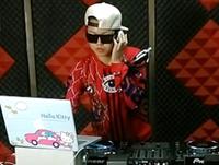 顶尖DJ学员常燕秋机房练习数码接歌视频