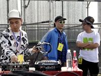 2015年玩石音乐节 刘阳老师&LP大乐团上场前调试