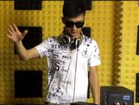 顶尖DJ学员郑向东House接歌练习