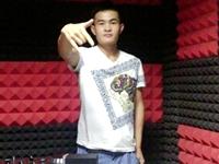 河南开封DJ学员徐泽蒙机房练习照片