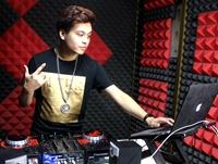 顶尖DJ学校学员赵健锋R&B接歌练习