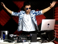 顶尖DJ学校学员苏浩House接歌考试视频