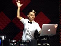顶尖DJ学校学员郑琦House接歌考试视频