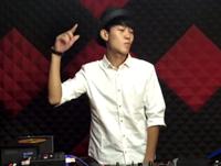 顶尖DJ学校学员王养成RNB接歌考试
