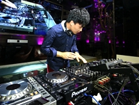 顶尖DJ学校学员葛为江先锋DJ大赛现场