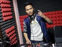 湖北荆州DJ学员陈龙机房照片