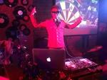 顶尖DJ学校学员曾小雨归阁酒吧实习现场视频