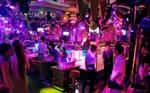 顶尖DJ学校女神学员周资珊山东百度酒吧就业现场
