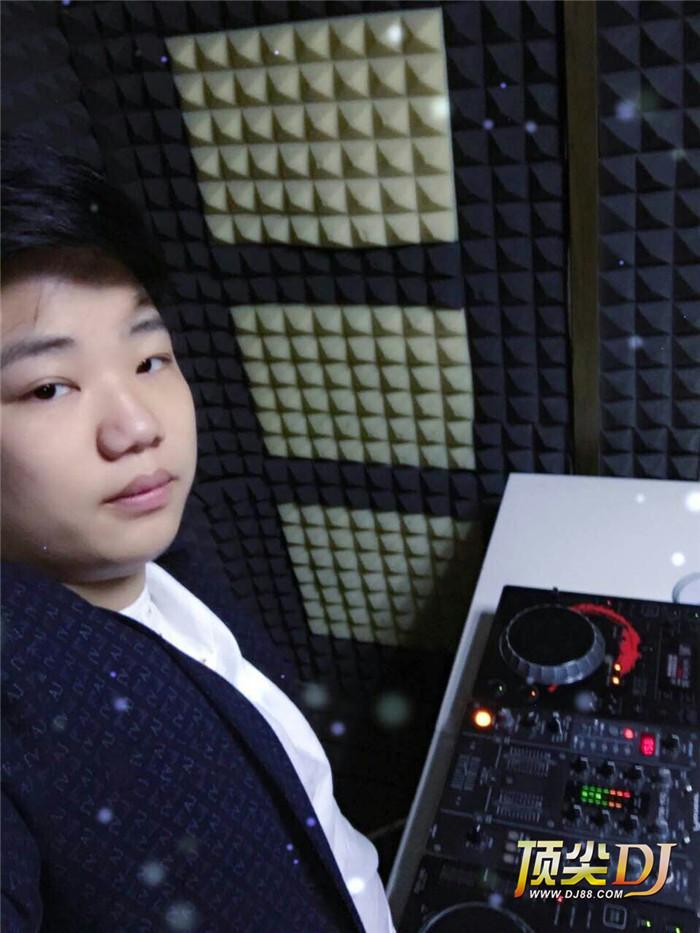 顶尖DJ学校学员马俊D阶段考试