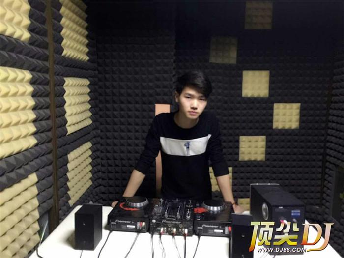 河南顶尖DJ学校学员张炳博D阶段考试