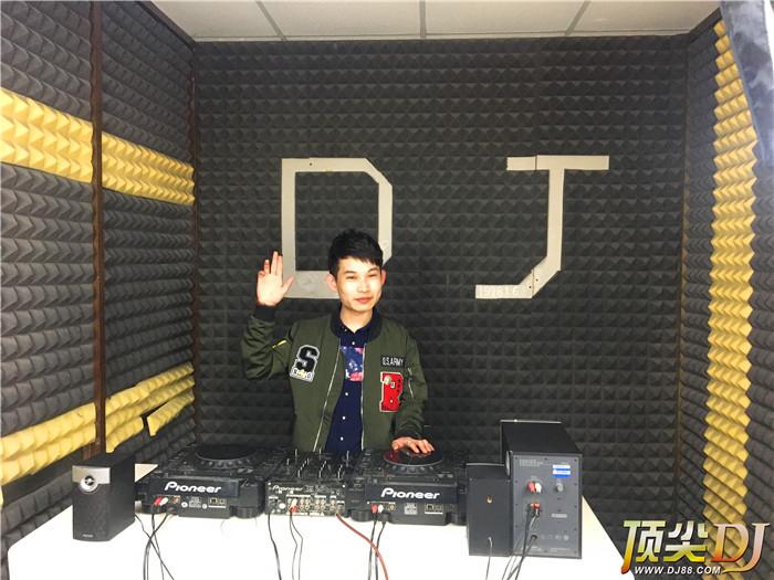 北京顶尖DJ学校学员武鹏飞D阶段考试