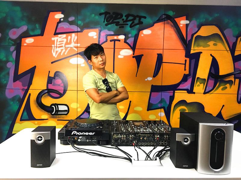 河南DJ学员杨新科机房照片