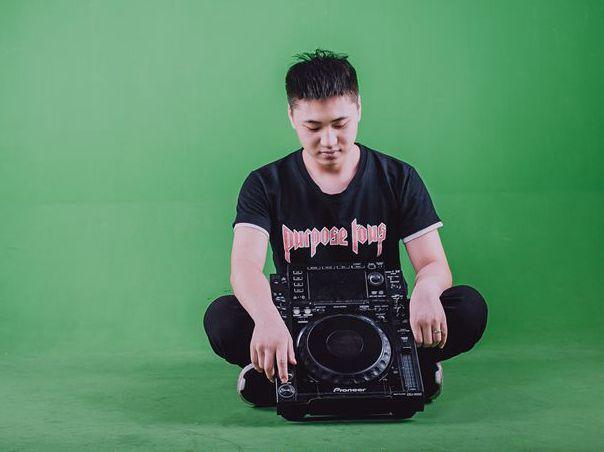 顶尖DJ学校学员张乐谱