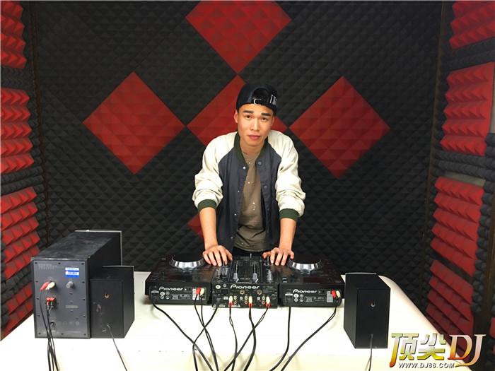 重庆顶尖DJ学校学员丁胜洋毕业考试