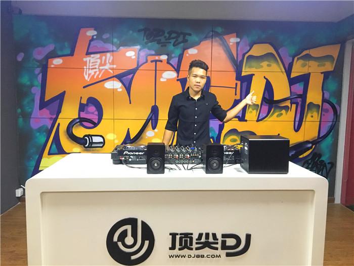 广西顶尖DJ学校学员凌五夕E阶段考试