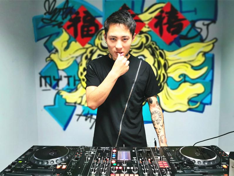 山西DJ学员马腾飞照片