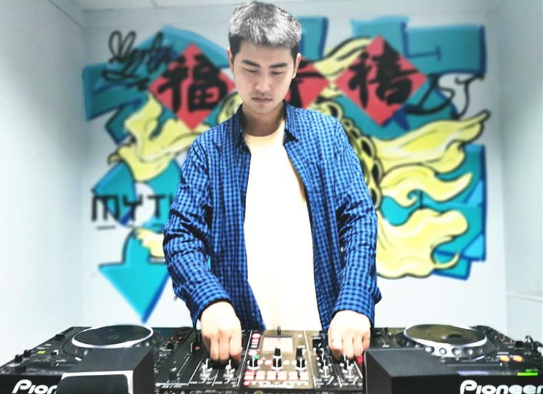 贵州顶尖DJ学校学员赵正建照片